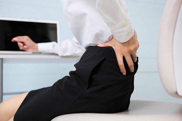Đau vùng thắt lưng: dấu hiệu của nhiều bệnh