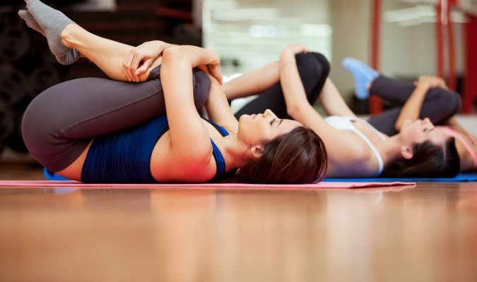 7 động tác đơn giản giúp giảm đau lưng hiệu quả