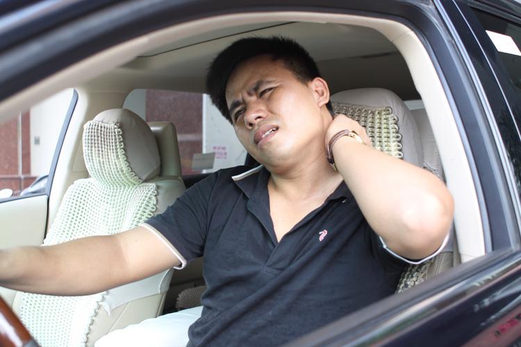 Nghề tài xế ô tô và bệnh đau vai gáy