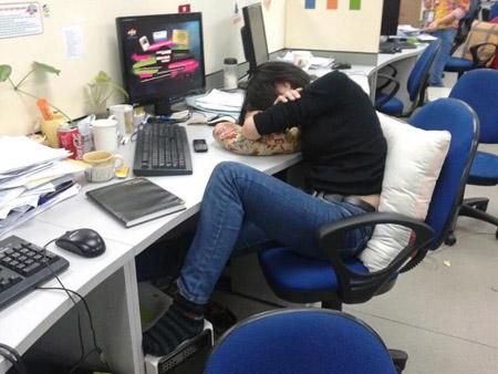 Giấc ngủ trưa xa vời nơi công sở