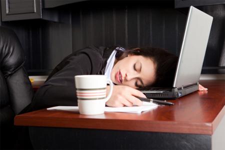 Giấc ngủ trưa tại văn phòng