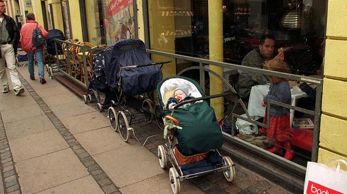 Trẻ sơ sinh Đan Mạch thường ngủ ngoài trời trong thời tiết dưới 0°C